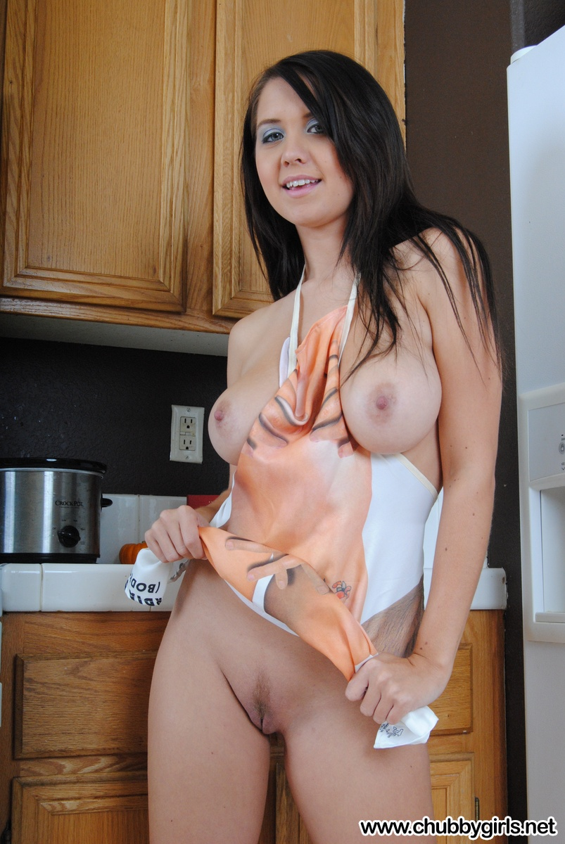 You tell, Sexy nude babes in aprons